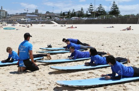 Surfing lessons on Coogee Beach