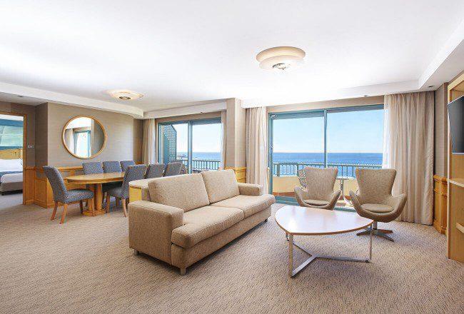 Bay Suite 1