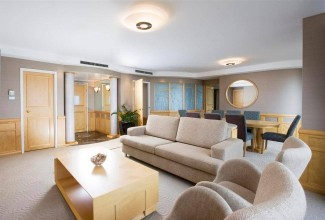 Bay Suite 2