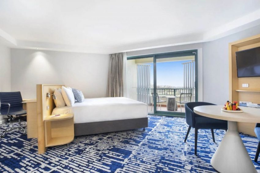 Ocean Front Suite │ Crowne Plaza Sydney Coogee Beach