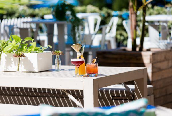 Cocktails outside at Oceans Bar