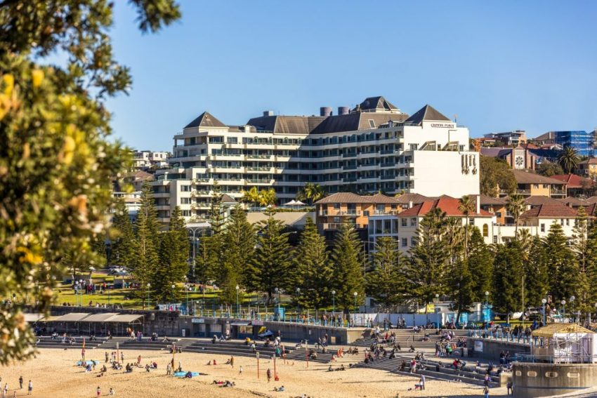 Hotel Exterior_Beach and Hotel_Crowne Plaza Coogee Beach