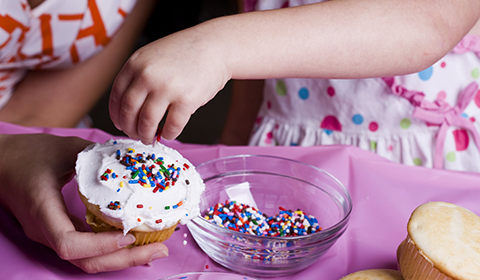Cupcake decorating at Crowne Plaza Coogee Beach.