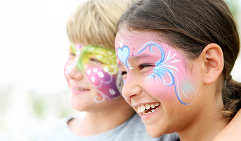 Face Painting at Crowne Plaza Coogee Beach.