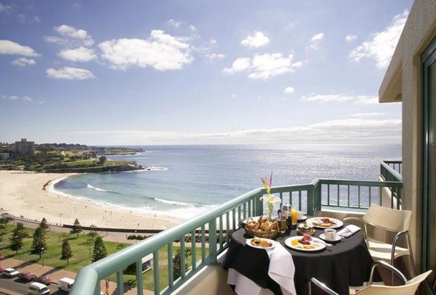 Crowne Plaza Coogee Beach breakfast on balcony