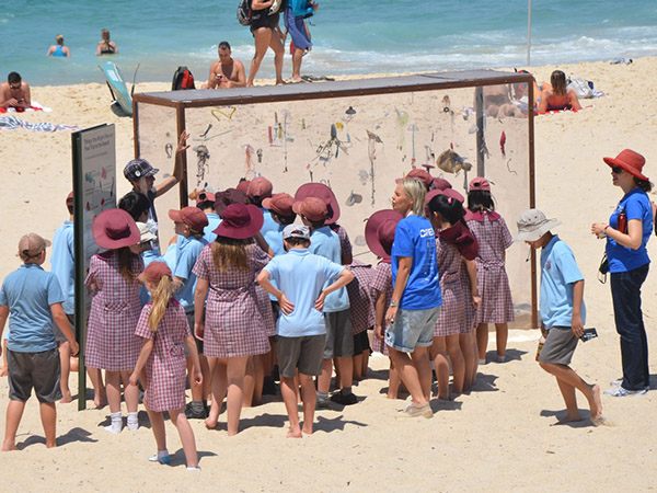 Sculpture by the Sea tour with Sutherland Public School