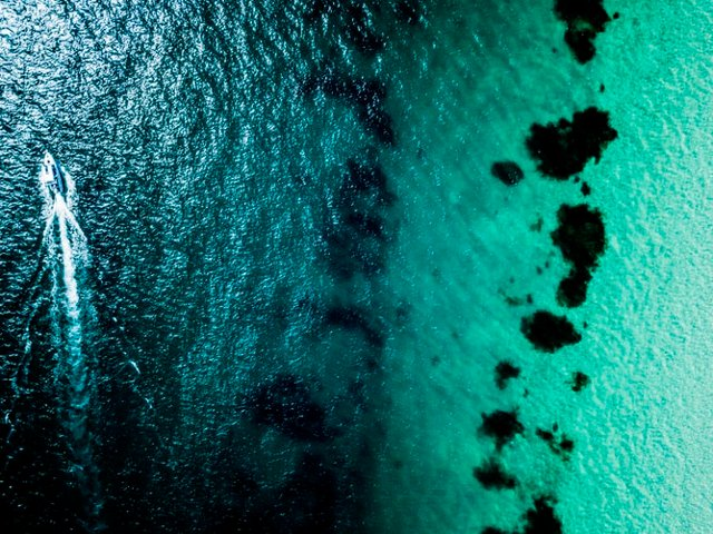 Colours of the ocean