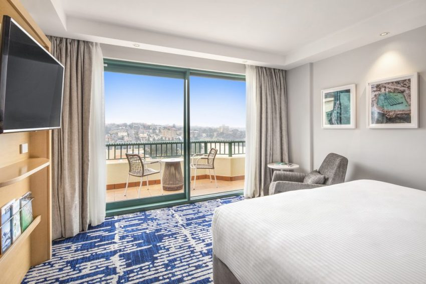 King Ocean View Room | Crowne Plaza Sydney Coogee Beach