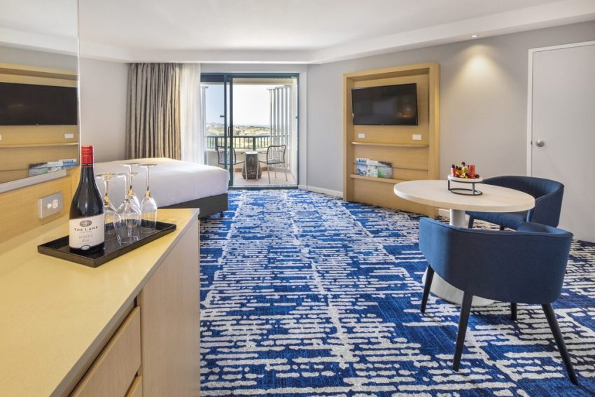 Ocean Front Suite | Crowne Plaza Sydney Coogee Beach