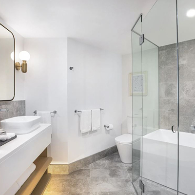Ocean Front Suite, Ensuite │ Crowne Plaza Sydney Coogee Beach