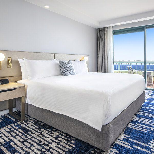 Sydney Beach Accommodation | Crowne Plaza Sydney Coogee Beach