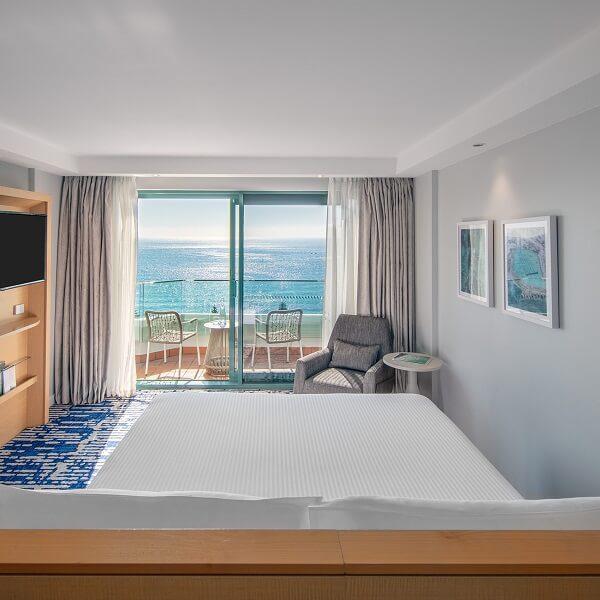 King Superior Ocean Front KOTN_Ocean Front KLON_Crowne Plaza Sydney Coogee Beach_LR (2)